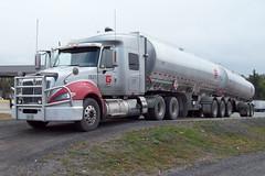 09222011-07 Ian A. McCord (ocrr4204) Tags: ontario canada truck cardinal vehicle mccord tractortrailer bigrig ianmccord ianamccord