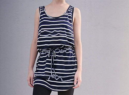 35_Navy Blue Sleeveless Top Striped