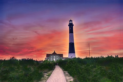 Fire Island Lighthouse Sunset [EXPLORE] (Moniza*) Tags: sunset lighthouse newyork sunrise dawn twilight nikon searchthebest dusk explore jonesbeach fireisland d90 explored moniza