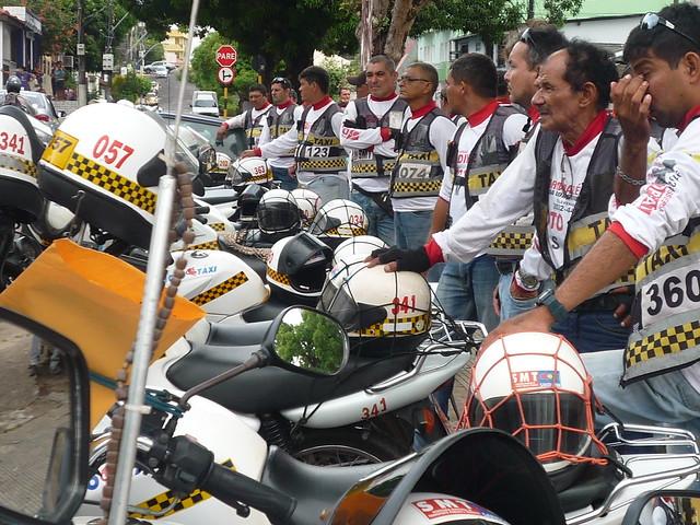 Mototaxistas credenciados em Santarém. Foto: Jeso Carneiro