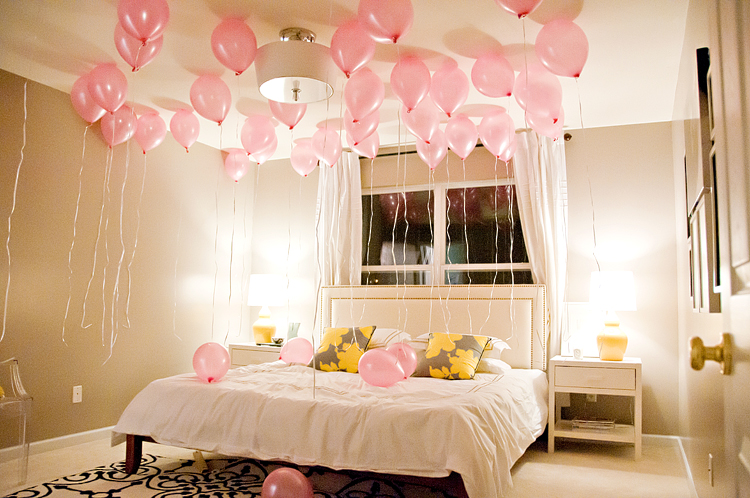 room filled with balloons!!