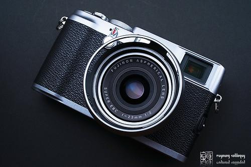 Fuji_X100_exterior_03