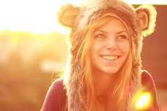 (Noukka Signe) Tags: winter sunset sunlight cold girl hat smiling project mouse happy golden hour 365 signe noukka