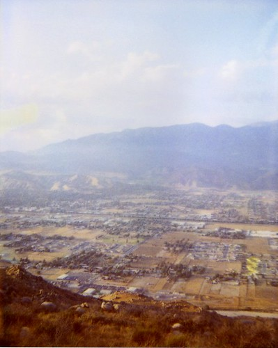 smog over Coachella Valley (CA) sprawl (by: moominsean, creative commons license)