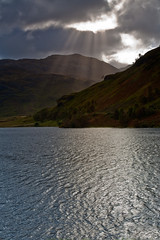 Sun Rays On Loch Eilt (mark_mullen) Tags: mountains scotland countryside highlands moody scottish hills brooding glenfinnan rugged sunsrays a830 locheilt 24105f4is leendgrad markmullen ranochan markmullenphotography canon1dsmk2mkii