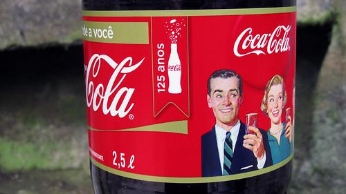 Coca-Cola 125 Anos 2,5 L detail Serie de outubro 2011 Brasil by roitberg
