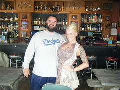 Sexy Seattle waitress and I (ErnieJon) Tags: seattle last big pretty chili tits boobs blonde shack chance waitress slims knockers chichis