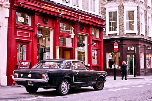 Mustang in Convent Garden by Gonçalo Reis Bispo