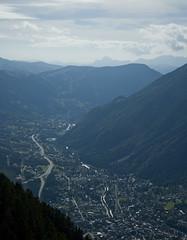 Chamonix valley (Freddie.J) Tags: mer mountain france alps de french climb mt hiking du hike mount climbing midi chamonix blanc glace massif brevent aiguille brvent