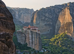 Meteora (Ian@NZFlickr) Tags: light dawn bravo cliffs greece monastry meteora