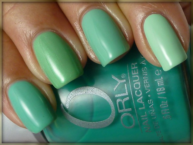 Day 21: Inspired by a Color (Green Ombre Nails)