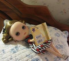 Bijoux_reading_4