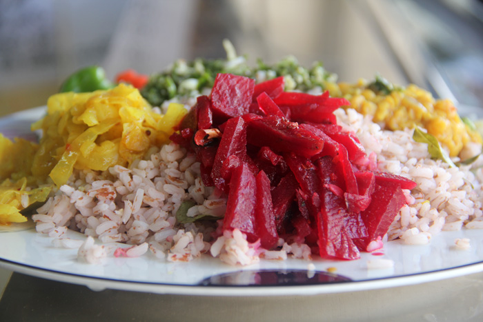 Sri lankan food 40 of the islands best dishes sri lankan beetroot curry forumfinder Gallery