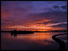 Photo-64 (Joost Lagerweij) Tags: sunset red sky sun nature water netherlands dutch canon landscape zonsondergang albaluminis nederland wolken lucht joost zon zonsopgang rode wijkbijduurstede rivier 2011 zonsopkomst lagerweij sx110is myphotoschool