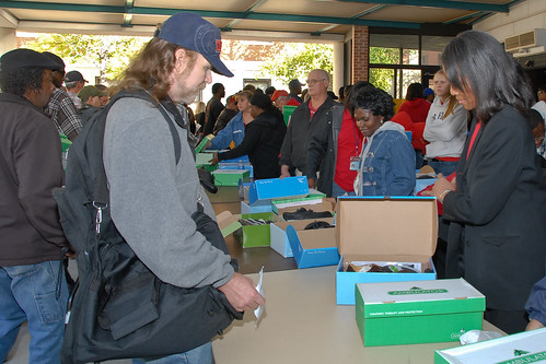 The over 670 veterans who attended the event received new shoes and other aid.