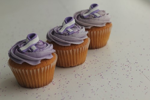Bijou Paint It Purple Cupcakes