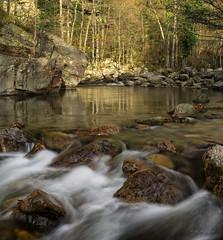 Remanso entre corrientes (Ahio) Tags: autumn reflection water pool river stream flat run explore reflejos riffle flowingwater blurmotion coldwaterstream ríosaja smcpfa31mmf18 vertorama pentaxk5 ríolodar