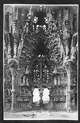 Sagrada Familia (esta_ahi) Tags: barcelona españa architecture temple spain arquitectura fotos antiguas gaudí sagradafamilia templo antigues sagradafamília expiatori templeexpiatoridelasagradafamília испания ri510003813