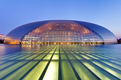 A Night at the Opera (yushimoto_02 [christian]) Tags: china glass architecture modern night opera asia theatre egg chinese beijing structure dome architektur  peking oper theegg andreu paulandreu nationalgrandtheatre ellipsoid nationalcenterfortheperformingarts visipix
