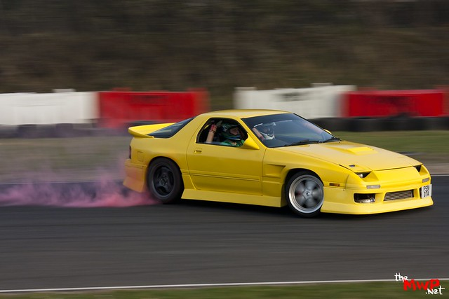 Stuart Lawson (The Hats) Drifting his Mazda RX7 FC3S
