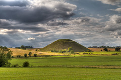 Silbury Hill (AviationPhoto.ch) Tags: england plains wiltshire hdr highdynamicrange avebury salisburyplain hdri silburyhill lightroom gbr southernengland südengland tonemapped photomatixpro adobelightroom ef24105mmf4lisusm hochebene highdynamicrangeimage hdrtonemapped canoneos7d elessarch grosbritannien processedwithadobelightroom eos7d110719004567tonemapped aviationphotoch wwwaviationphotoch