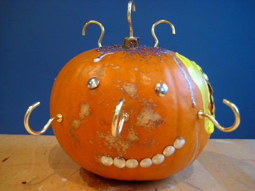 pumpkin decorating with children monster faces