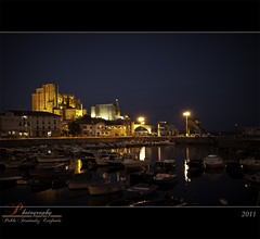 Castro Urdiales at night (_Hadock_) Tags: santa city windows sea 2 wallpaper 3 apple st night de faro 1 noche mar town spain mac nikon village screensaver maria background mary pueblo creative iglesia 7 8 sigma commons ciudad screen castro xp vista 1020mm olas cantabria siete pantallas saver salva cantabrico baros gaua ipad rompeolas walpaper urdiales salvapantallas rompe cantabrian d80 mbd80 castreas castrea
