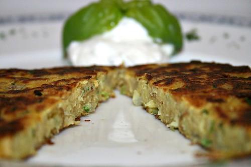 28 - Pastinaken-Puffer / Parsnip pancakes - CloseUp