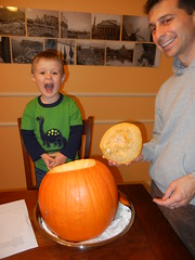 pumpking carving with Daddy