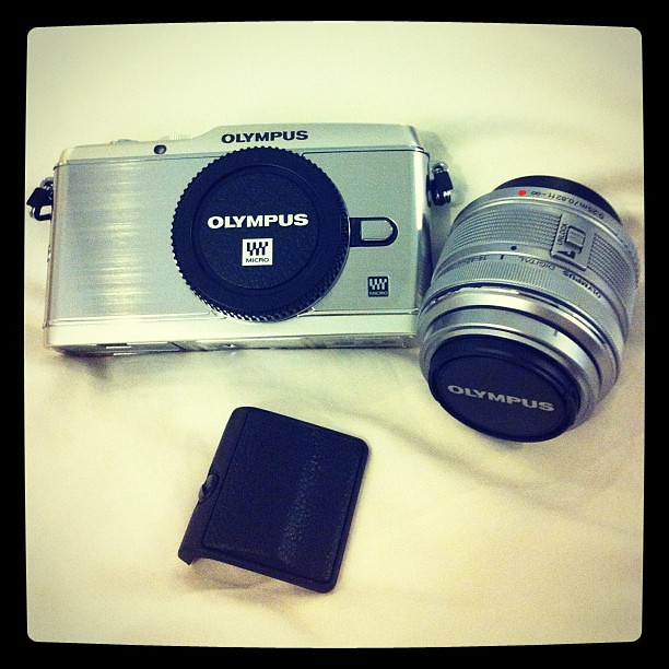 And she's finally here. My #Olympus PEN EP-3. gorgeous.