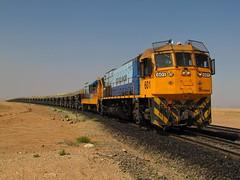 Ferronor, GT26CU-M2 601 y GR12 416, Sector Chacritas. (DeutzHumslet) Tags: chile train canon gm desert atacama desierto locomotives 601 416 sx20 emd vallenar gr12 ferronor gt26cu2m
