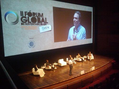 Fábio Feldman no #ForumSWU apresenta a evolução dos movimentos em prol da sustentabilidade desde os anos 70 #avidaquernoSWU