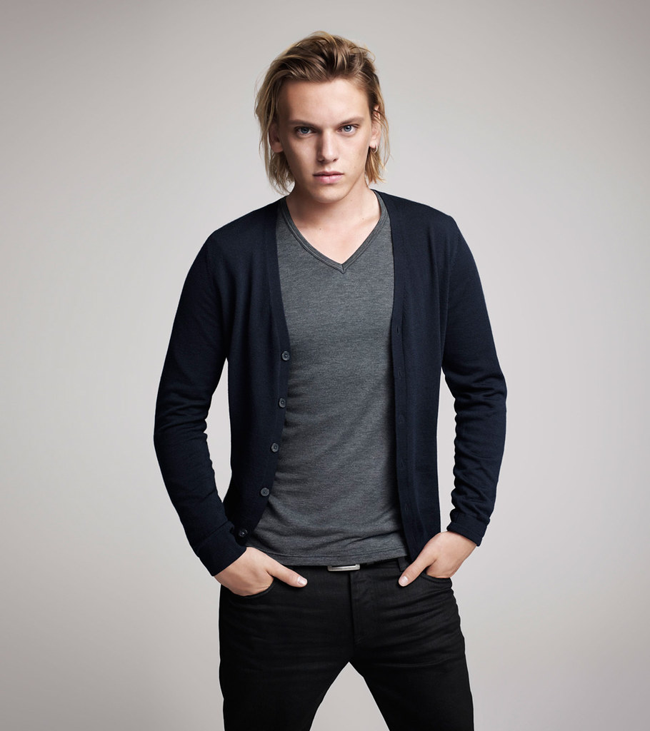 Jamie Campbell Bower0024_UNIQLO AW11