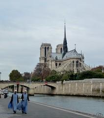 Notre-Dame-de-Paris (b.four) Tags: paris seine cathedral nun cathédrale suora soeur cattedrale dda coth cherryontop supershot abigfave citrit rubyphotographer damniwish coth5 mygearandme mygearandmepremium mygearandmebronze ruby15