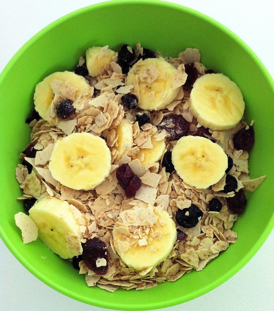 Flocos de cereal Nutry com banana e passas