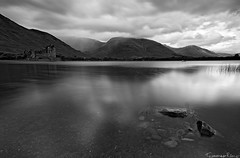 Loch Awe and Kilchurn Castle , Scotland (Tommaso Renzi) Tags: scotland long exposure afternoon rainy lochawe kilchurncastle lochaweankilchurncastle