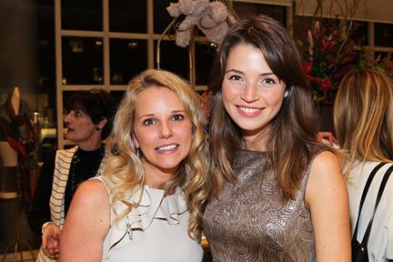 Amy Thomas, Laura Schilling