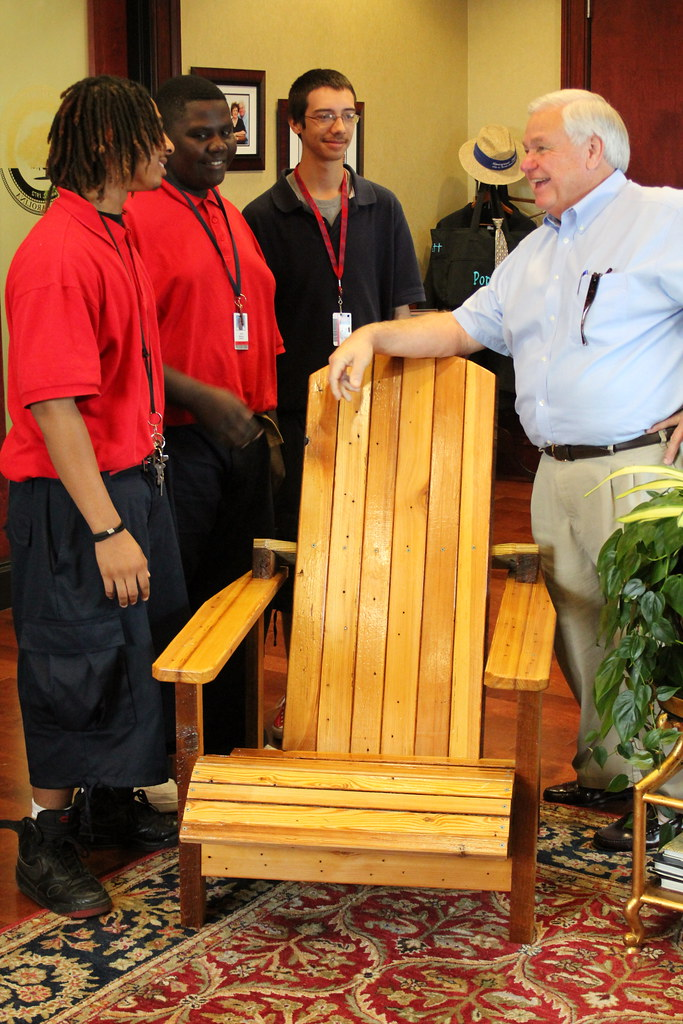 Garrett Academy students present Mayor with Adirondack chair