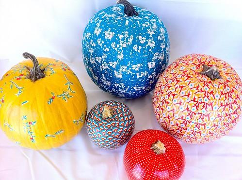 mod podge pumpkins 13