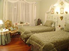 """Quillian Room Twin Beds • <a style=""""font-size:0.8em;"""" href=""""https://www.flickr.com/photos/69122677@N02/6285399802/"""" target=""""_blank"""">View on Flickr</a>"""