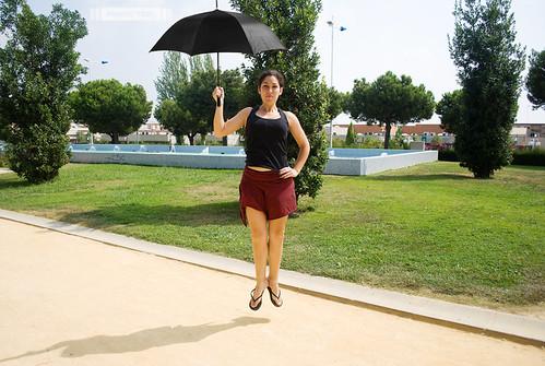 Ana levitando II