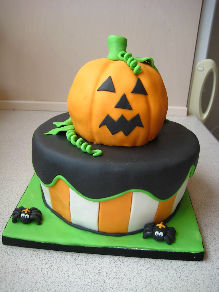 Halloween cake 2011