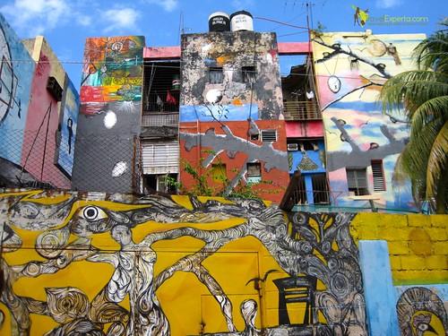 Building Art of Callejon de Hamel, Habana Cuba