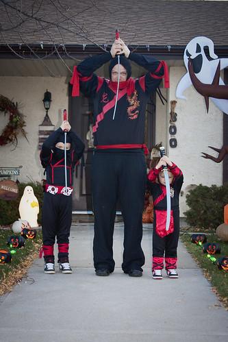 Halloween_3 ninjas pic5 10-31-11