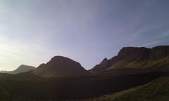 Looking South near the Quiraing (Graham Maxwell) Tags: uk mountains skye stone island scotland highlands rocks cliffs hills highland isle cleat pinnacles invernessshire staffin quiraing dundubh druimanruma biodabuidhe stenscholl beinnedra brogaig balmeanach cnocamheirlich steinneseall sartke sartail