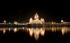 gurudwara bangla sahib (Partha) Tags: new light india reflection festival raw delhi sikh sahib gurudwara sikhism bangla newdelhi iphotooriginal partha chowdhury gurudwarabanglasahib parthachowdhuryphotography