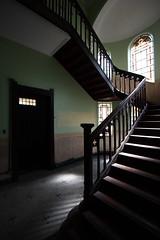 stairs (**) Tags: house scale stairs casa sopaulo empty haus escalera oldhouse escada maison palacete casaro abandonado escadaria vazio manso emptyplace emptymansion palacetevazio