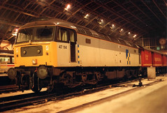 47114_19.3.89 (runtheredline) Tags: london night br 80s 1989 royalmail 1980s railways stpancras britishrail terminus saintpancras diesellocomotive class47 brushtype4 47114 d1702 railfreighttrainloadconstruction