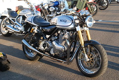 Norton (f1jherbert) Tags: breakfast club nikon westsussex motorcycles motorbikes goodwood breakfastclub d80 nikond80 goodwoodmotorcircuit d80nikon goodwoodclub motorcircuit goodwoodbreakfastclub goodwoodwestsussex motorbikebreakfastclub octoberbreakfastclubgoodwood