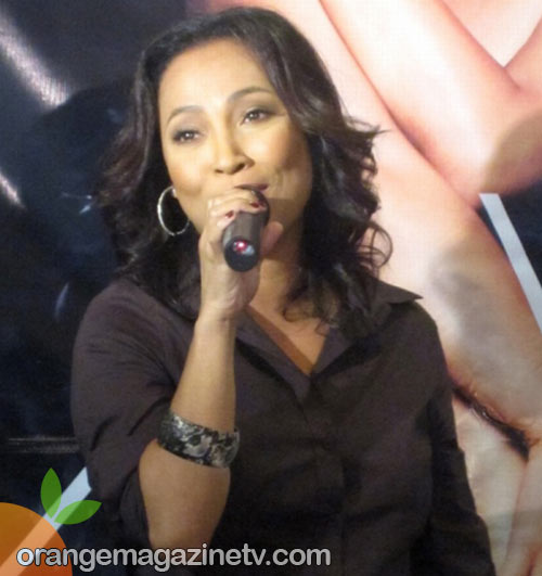 Jaya singing songs off her new album 'All Souled Out' at her presscon for Universal Records